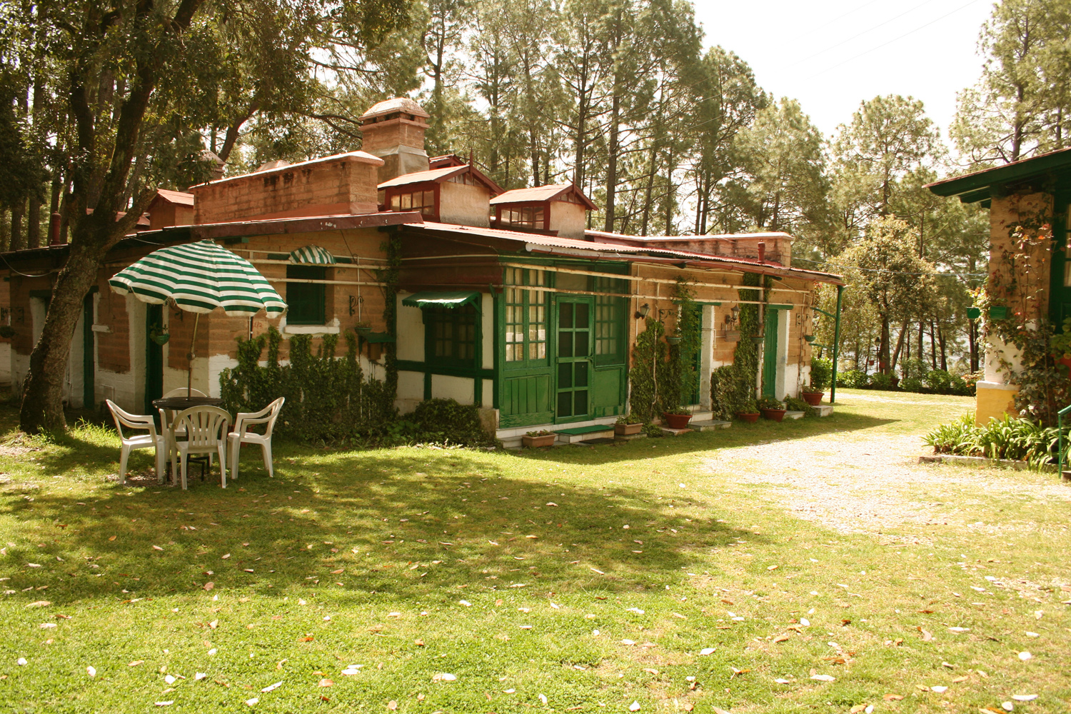 West View Hotel –Ranikhet Ranikhet Luxury Suite West View Hotel Ranikhet
